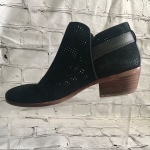 Sam Edelman black suede distressed ankle boots 8.5